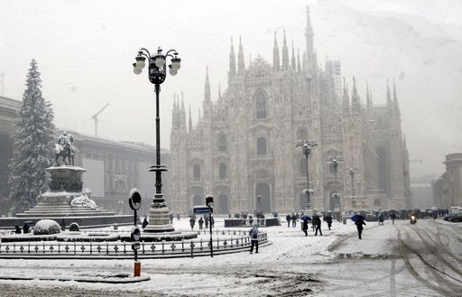 snow in milan